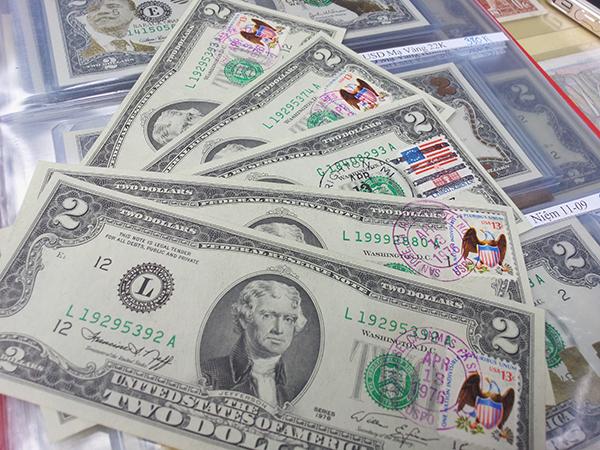 2 dollar 1976 dán tem