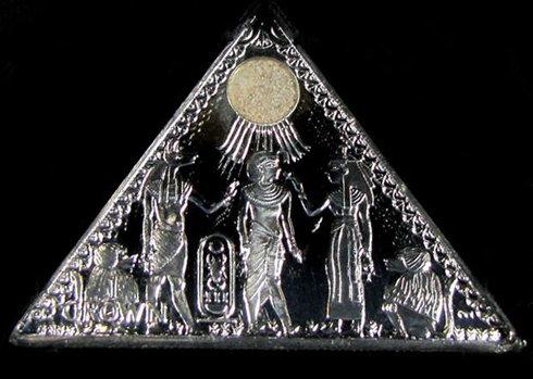 tờ tiền hình kim tự tháp