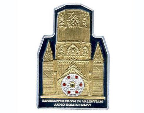 đồng tiền hình nhà thờ lớn