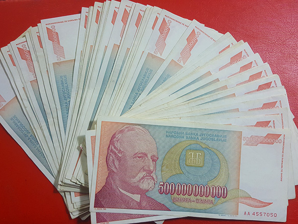tiền khủng nam tư