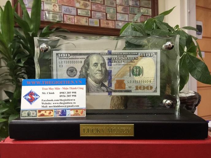 khung để tiền